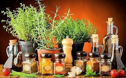 Olio, aceto, spezie e insaporitori