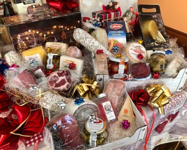3-ELLE-food-commercio-generi-alimentari-cesti-regalo-natalizi